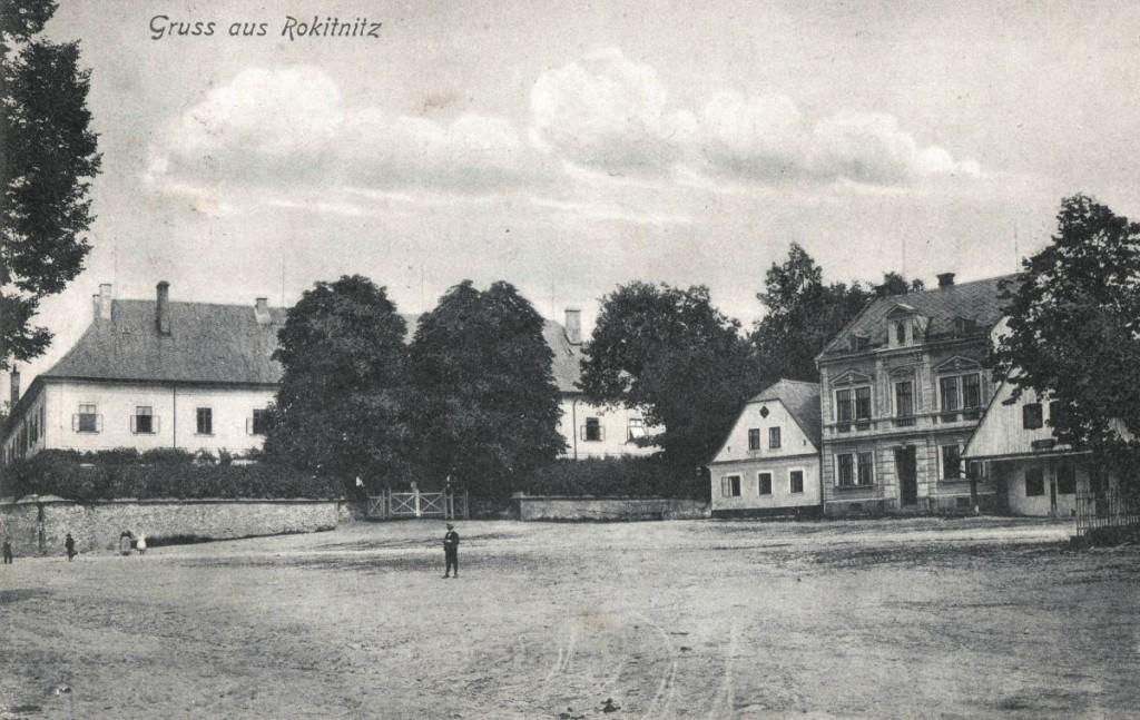zamek_1907_03_web_zdola_namesti
