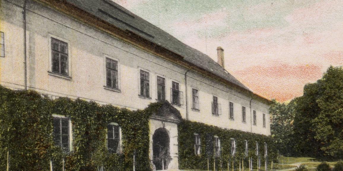Zámek – okolo roku 1907 – od jihu