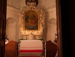 Pohled do zámecké kaple sv. Petra a Pavla