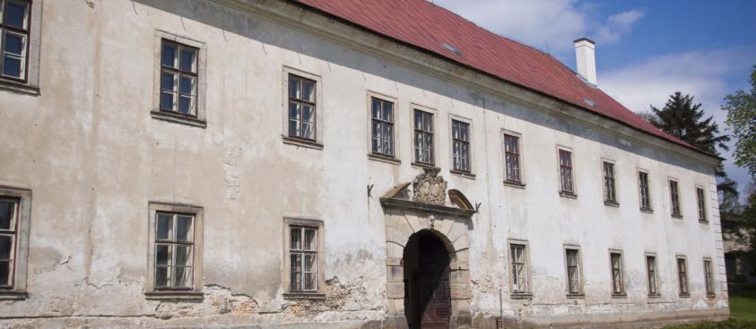 Zámek Rokytnice – východní průčelí