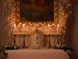 Barokní oltář v zámecké kapli