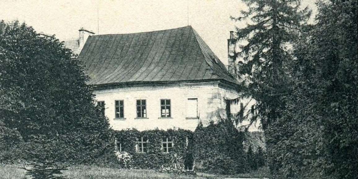 Zámek – okolo roku 1904 – pohled z parku